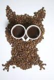 Зажаренные в духовке зерна черного кофе Стоковые Изображения