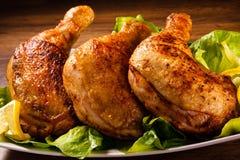зажаренные в духовке ноги цыпленка Стоковые Изображения