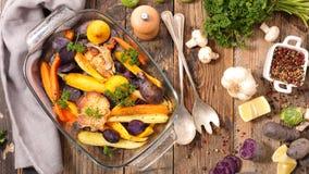 зажаренные в духовке овощи стоковые изображения rf