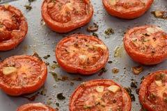 Зажаренные в духовке половины томата Стоковое Изображение RF