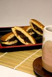 Зажаренные в духовке свежие кофейные зерна стоковое изображение