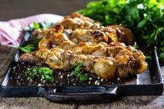 Зажаренные в духовке chunchules Типичные латино-американские чилиец и еда Аргентины Стоковая Фотография RF