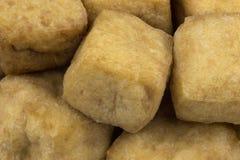 Зажаренные кубы творога или тофу соевого боба Стоковые Фотографии RF