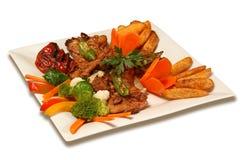 Зажаренные мясо и овощ Стоковое Изображение RF