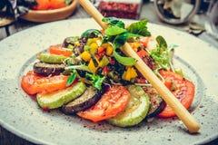 Зажаренные овощи, зажаренный сыр suluguni стоковая фотография rf