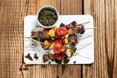 Зажаренные овощи и shishkabobs говядины Стоковые Фотографии RF