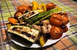 Зажаренные овощи на плите Стоковое фото RF