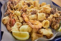 зажаренные продукты моря конематка di frutti Стоковые Фотографии RF