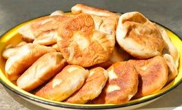 Зажаренные русским пироги мяса Стоковые Фотографии RF