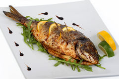 зажаренные рыбы стоковые изображения