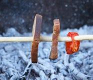 Зажаренные сосиски outdoors Стоковое Изображение