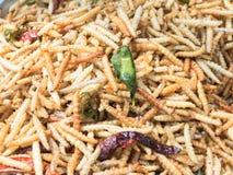 Зажаренные черви еды насекомых Стоковые Фото