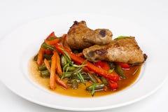 Зажаренный азиат chiken с овощами Стоковое Изображение RF