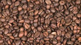 зажаренный в духовке кофе фасолей сток-видео