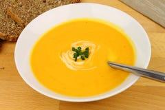 Зажаренный в духовке суп сквош Butternut Стоковые Изображения RF
