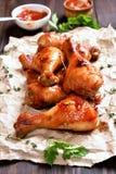 зажаренный в духовке drumstick цыпленка Стоковая Фотография
