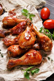 зажаренный в духовке drumstick цыпленка Стоковое Фото