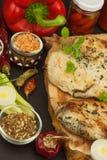 Зажаренный стейк цыпленка с специями и овощем Диетическая еда для спортсменов Еды здорового питания зажаренный цыпленок Стоковая Фотография