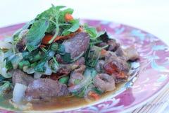 Зажаренный с цыпленком базилика (едой Таиланд) Стоковое фото RF