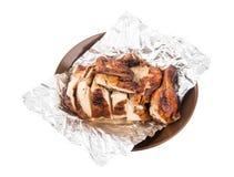 Зажаренный цыпленок в фольге стоковые изображения rf