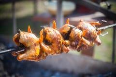 Зажаренный цыпленок на вращая машине Стоковое фото RF