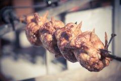 Зажаренный цыпленок на вращая машине Стоковые Изображения RF