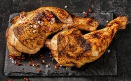 2 зажаренных ноги цыпленка над взглядом Стоковое Изображение
