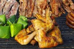Зажженное барбекю цыпленка стоковые фотографии rf