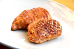 зажженное мясо зажарило в духовке индюка schnitzel Стоковое фото RF