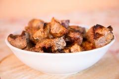 Зажженное мясо на решетке Стоковая Фотография RF