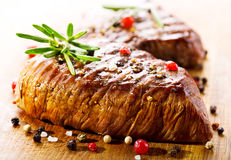 Зажженное мясо с розмариновым маслом Стоковое Изображение