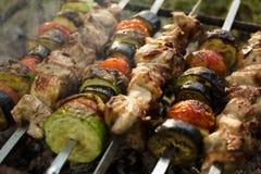 зажженные овощи мяса Барбекю Стоковая Фотография