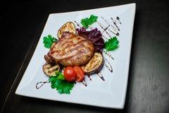 зажженные овощи мяса Стоковые Фото