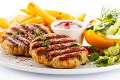 Зажженные стейк и fries франчуза Стоковое Изображение RF