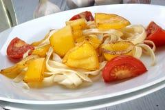 зажженный желтый цвет томата перцев Стоковое Фото