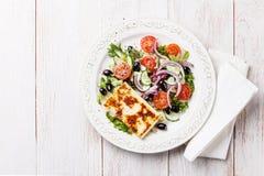 зажженный сыром овощ салата Стоковые Фото