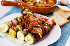 зажженный цыпленком овощ протыкальника мяса Стоковое Изображение
