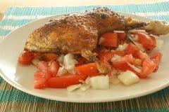 зажженный цыпленком томат лука Стоковая Фотография RF