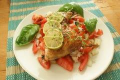 зажженный цыпленком томат салата лимона Стоковые Фото