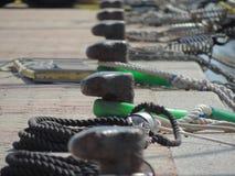 Зажимы на пристани в Сардинии, Италии Стоковые Изображения