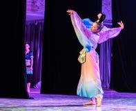 Зажиточная династия тяни 1 - китайское классическое шоу Танц-градации отдела танца стоковые изображения