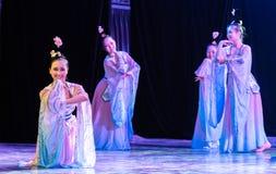Зажиточная династия тяни 4 - китайское классическое шоу Танц-градации отдела танца стоковые изображения