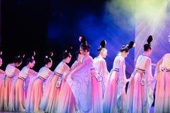 Зажиточная династия тяни 6 - китайское классическое шоу Танц-градации отдела танца стоковое фото