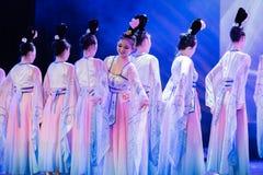 Зажиточная династия тяни 8 - китайское классическое шоу Танц-градации отдела танца стоковое изображение