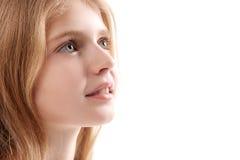 Заинтересованный малый ребенк мельком взглядывая вверх Стоковое Фото