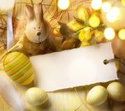 Зайчик пасхи искусства и пасхальные яйца Стоковое фото RF