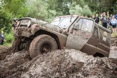 Заказные внедорожные яма грязи трофея UAZ 469 проходя Стоковое Изображение RF