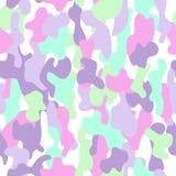Закамуфлируйте безшовную картину в зеленом цвете, цветах аквамарина розовых и белых Бесплатная Иллюстрация