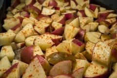 Закалённая картошка заклинивает сырое Стоковое Изображение
