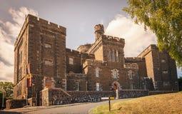 Заключите здание в тюрьму старого городка Strirling, в своем историческом центе стоковое фото